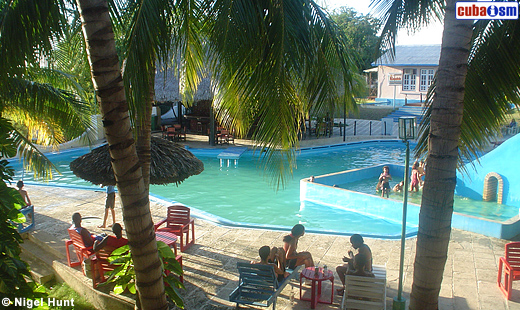 Hotel Caimanera Pool Area